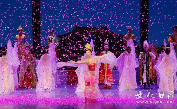 """""""中国舞剧之最""""《丝路花雨》再现瑰丽品格"""